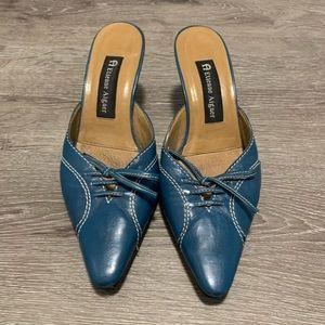 Etienne Aigner Blue Pointed Toe Kitten Heel Sz 6